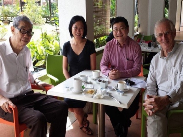 Professor-Milner-with-the-late-Professor-Lee-Poh-Ping,-Dr-Alice-Ba-and-and-Professor-Kuik-Cheng-Chwee-in-2015.jpg
