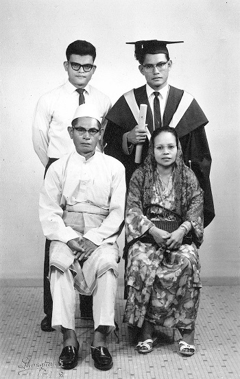 With-parents-and-brother-on-graduation-from-UM.jpg